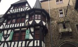 Von Schloß Burg ins Tal der Wupper